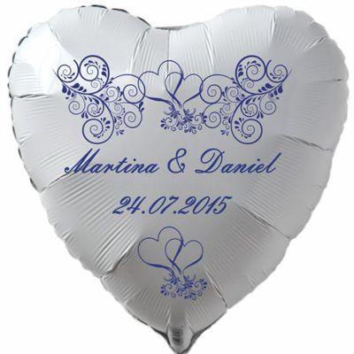 Herzluftballon in Weiß mit den Namen der Brautleute und dem Datum der Hochzeit, Ornamente in Blau