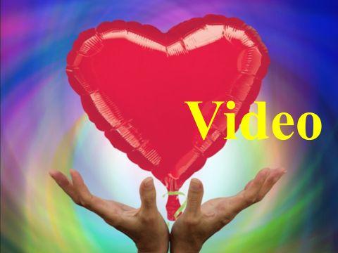 Herzluftballons aus Folie zur Hochzeit: Video