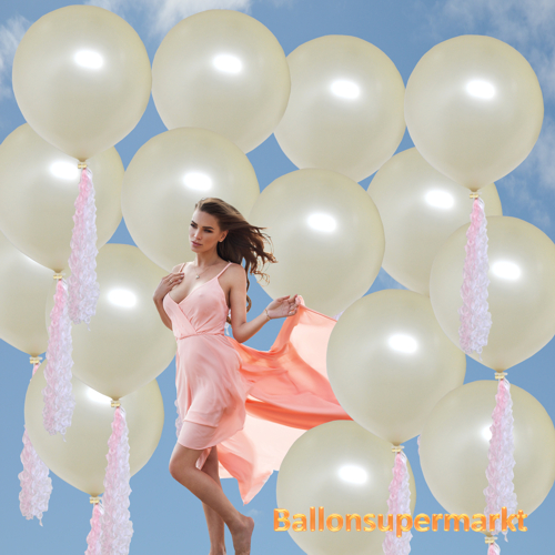 Große Luftballons zur Hochzeit