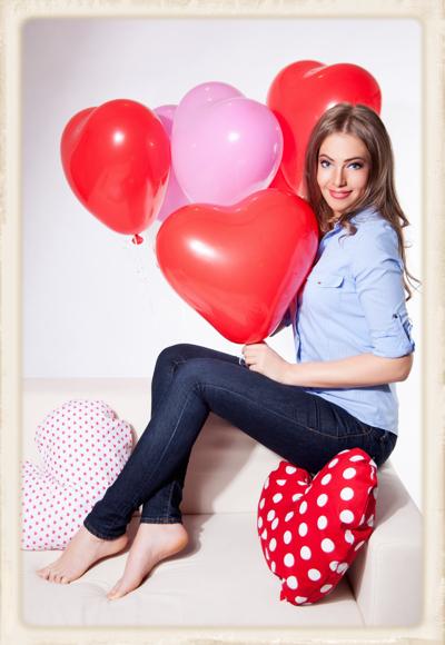 Herzluftballons in Rot und Weiß! Zum Aufsteigen!