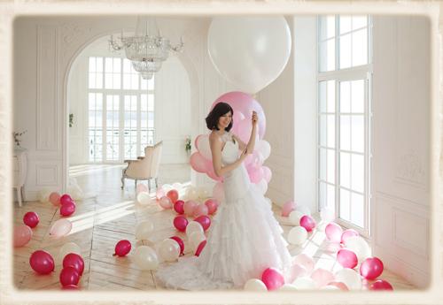 Hochzeit Braut mit Luftballons